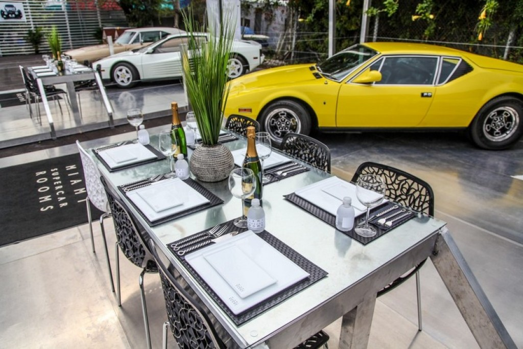 Miami Supercar Rooms restaurant
