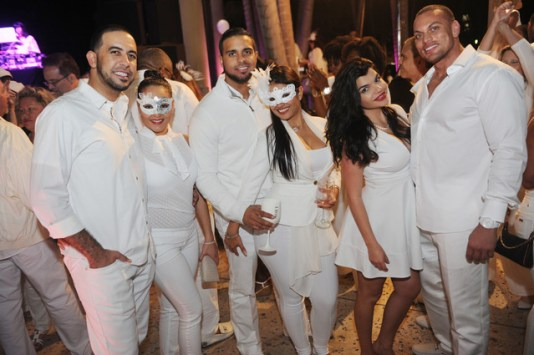 diner en blanc miami, things to do Miami, MiamiCurated
