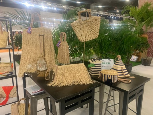 trends in beach totes, sisal beach totes