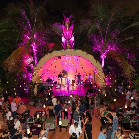 salsa dancing miami, where to dance salsa miami, salsa music miami, MiamiCurated