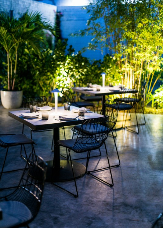 Outdoor dining in Wynwood, MiamiCurated