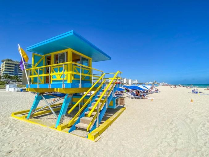 Miami Beach strand met Lifeguard Tower