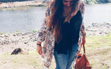 #Outfit - Hold Back The River