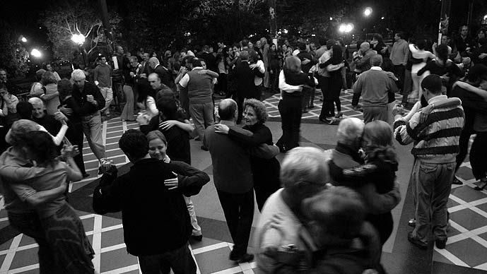 Foto por Carlos Furman - Tango em Buenos Aires - Tango argentino - Milonga - Glorieta Barrancas de Belgrano