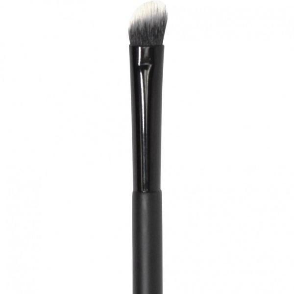 Angled Eyeshadow Brush