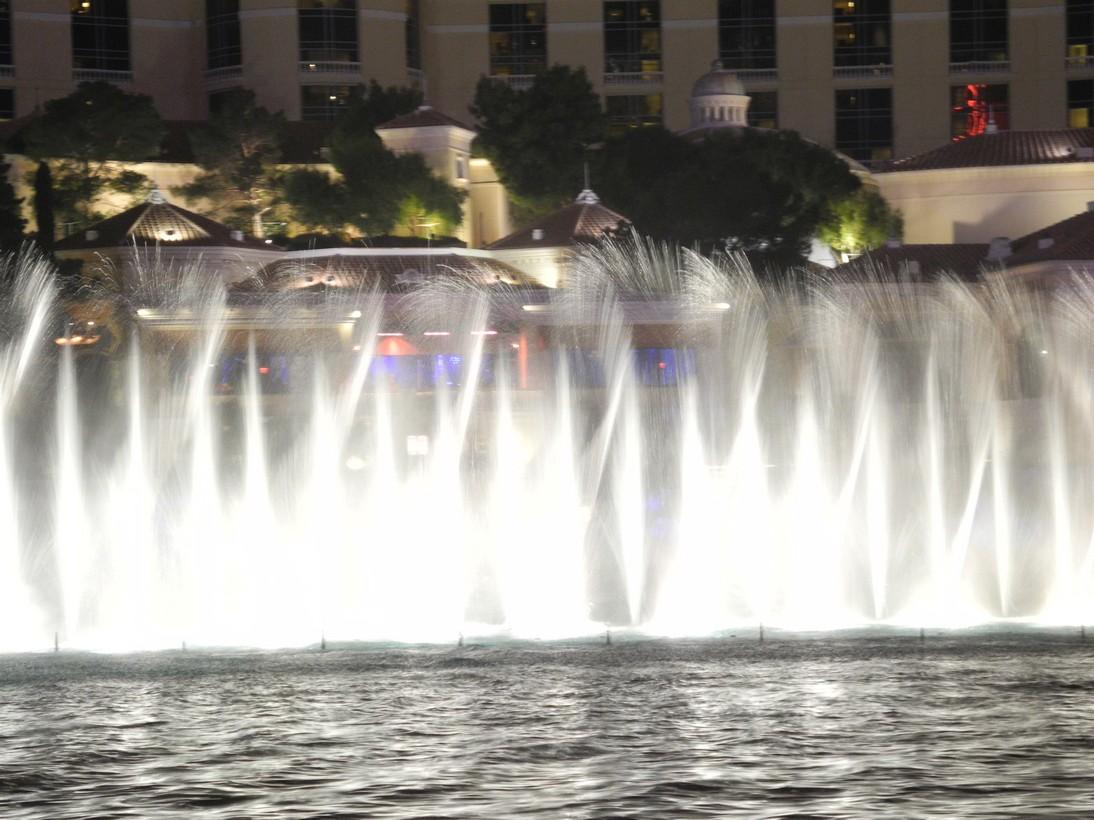 Bellagio-fountains1