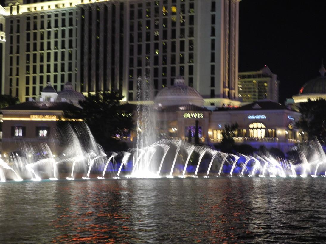 Bellagio-fountains5