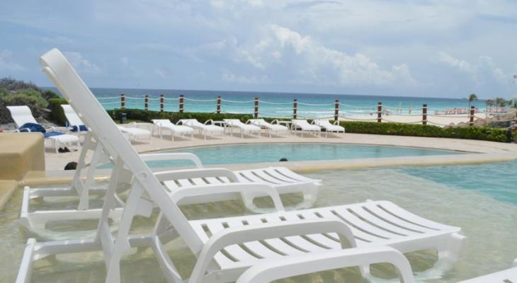camastros Grand Park Royal Cancun Caribe