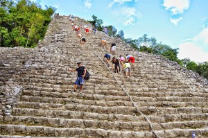 Piramide de coba Riviera Maya