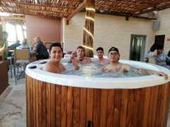 jacuzzy top by belo