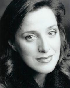 Headshot - Monique Pagé, soprano