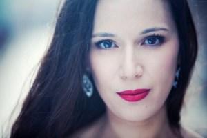 Headshot - Gabrielle Philiponet, soprano