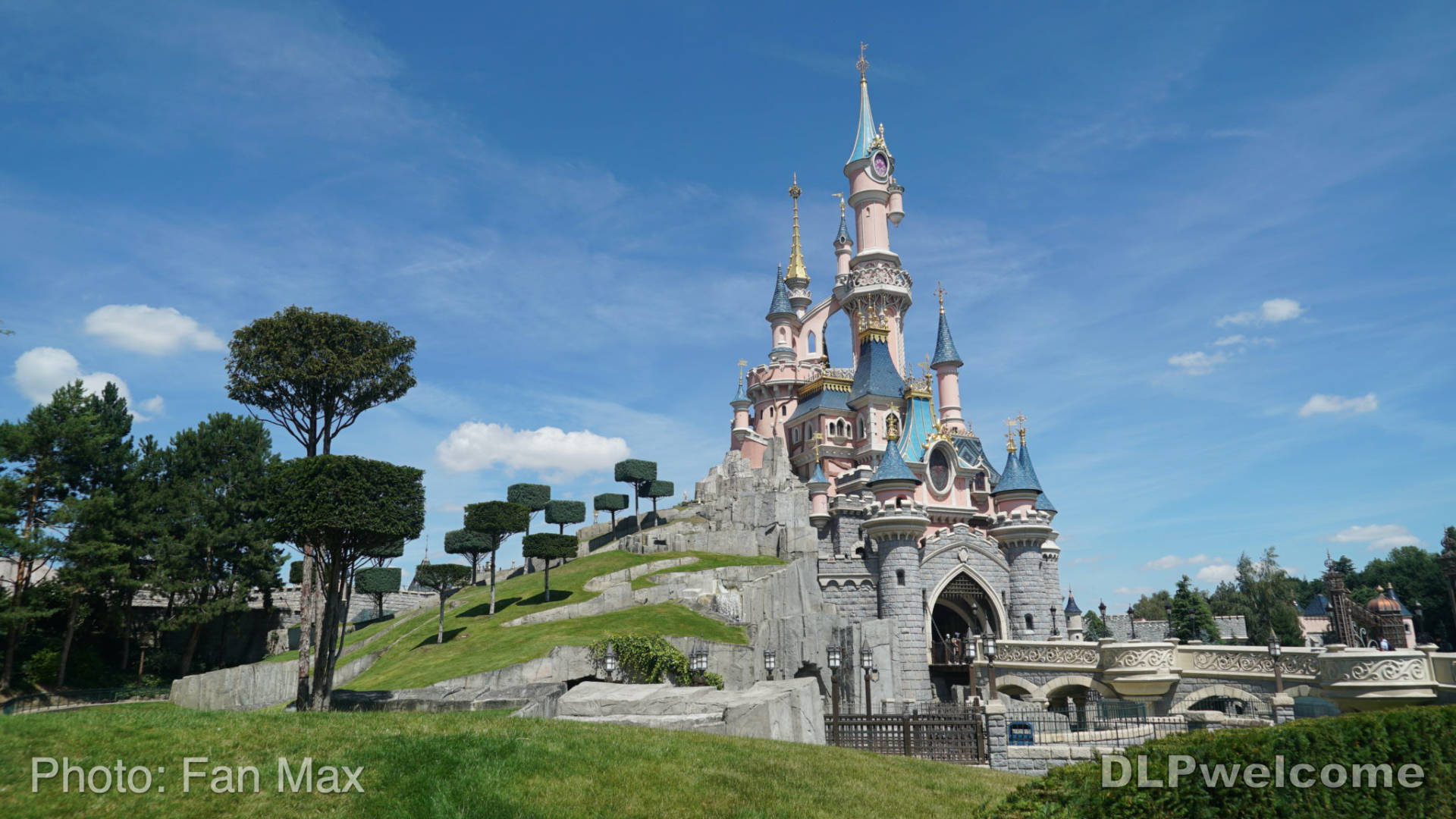 Disneyland Paris Updates New Operations Castle Woes Current Projects