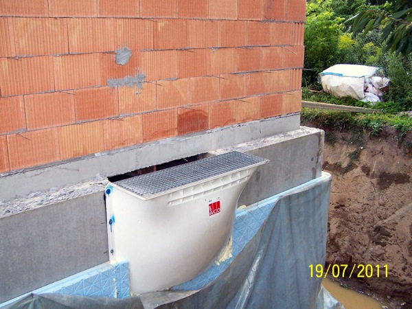 Bei einem WU-Keller sind diese Lichtschächte wasserdicht auszuführen