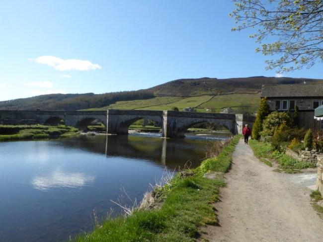 A morning walk at Burnsall