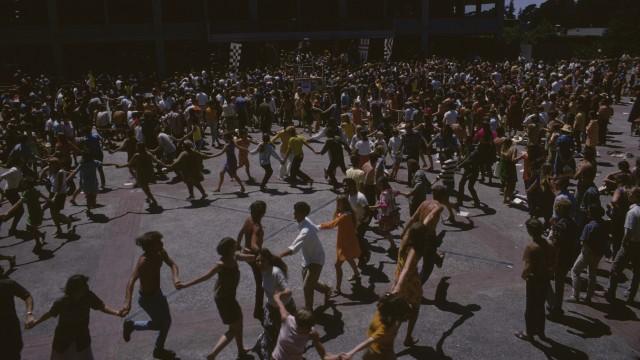 1968 BFMF Audience Dancing