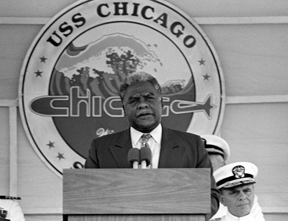 Harold_Washington_at_the_commissioning_of_USS_Chicago_SSN-721_cropped