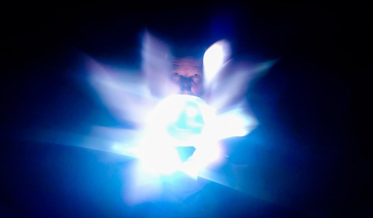 Optical Juggling Image