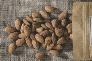 Almond Dried Fruits And Nuts Food  - Engin_Akyurt / Pixabay