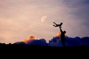 Dad Baby Silhouette Family Father  - AlemCoksa / Pixabay