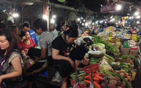 night market toenails