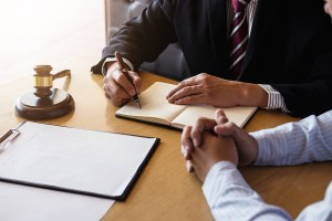 What Should I Bring to My Consultation with a Personal Injury Lawyer?