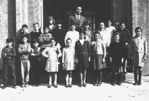La mia classe di quinta elementare nell'anno scolastico 1966-67 col maestro Rocco Di Matteo