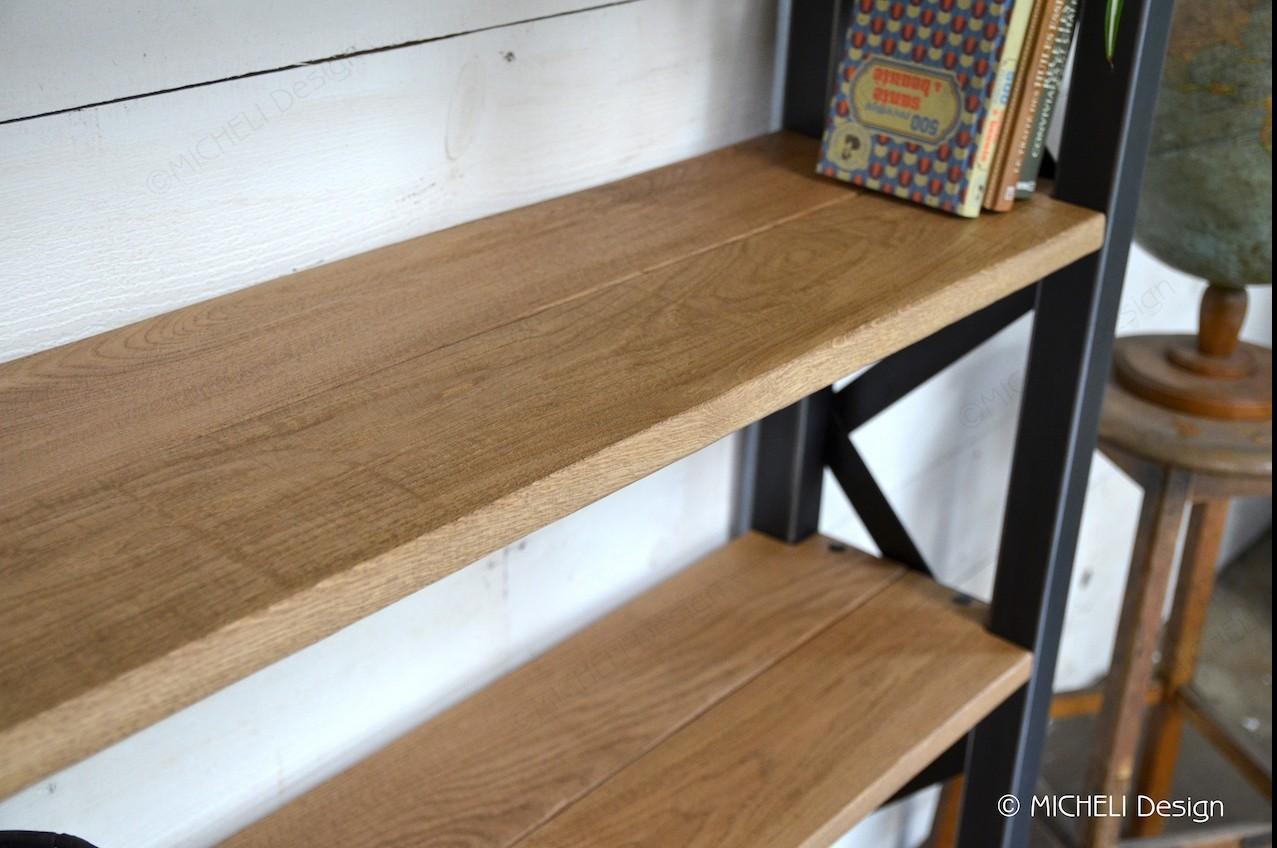 bibliotheque en bois et metal sur