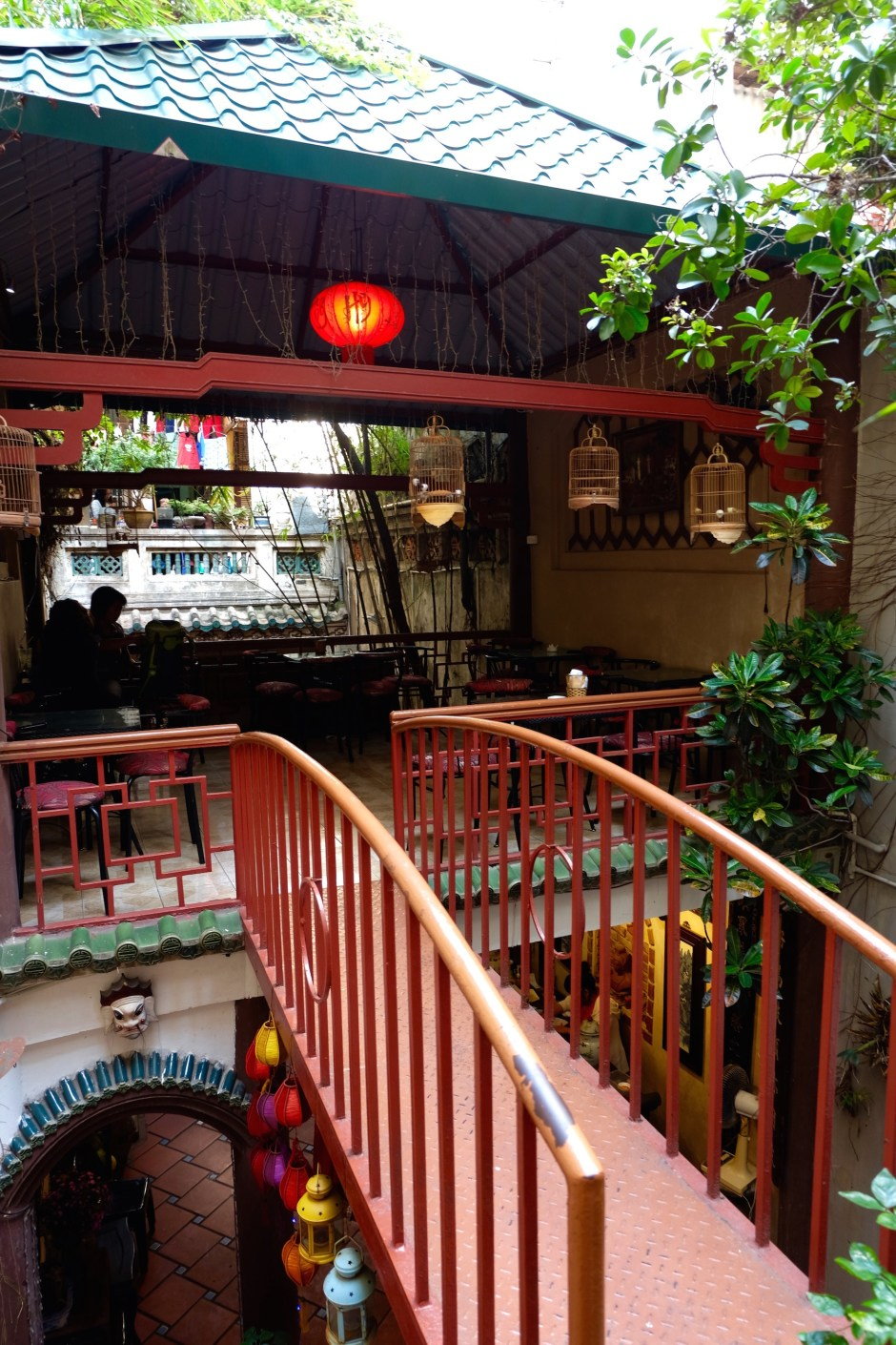 bridge in the coffee shop