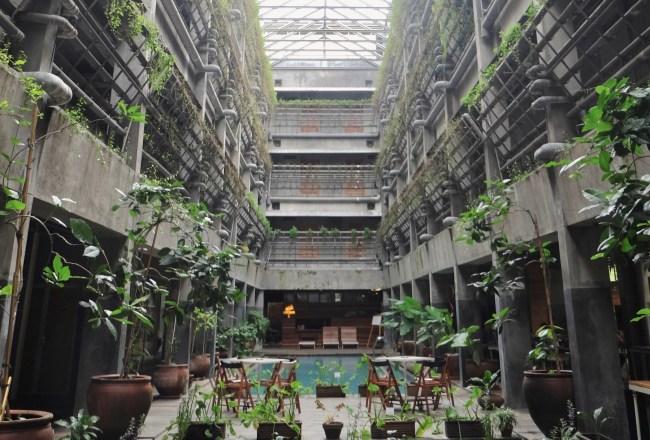 Greenhost lobby hotel