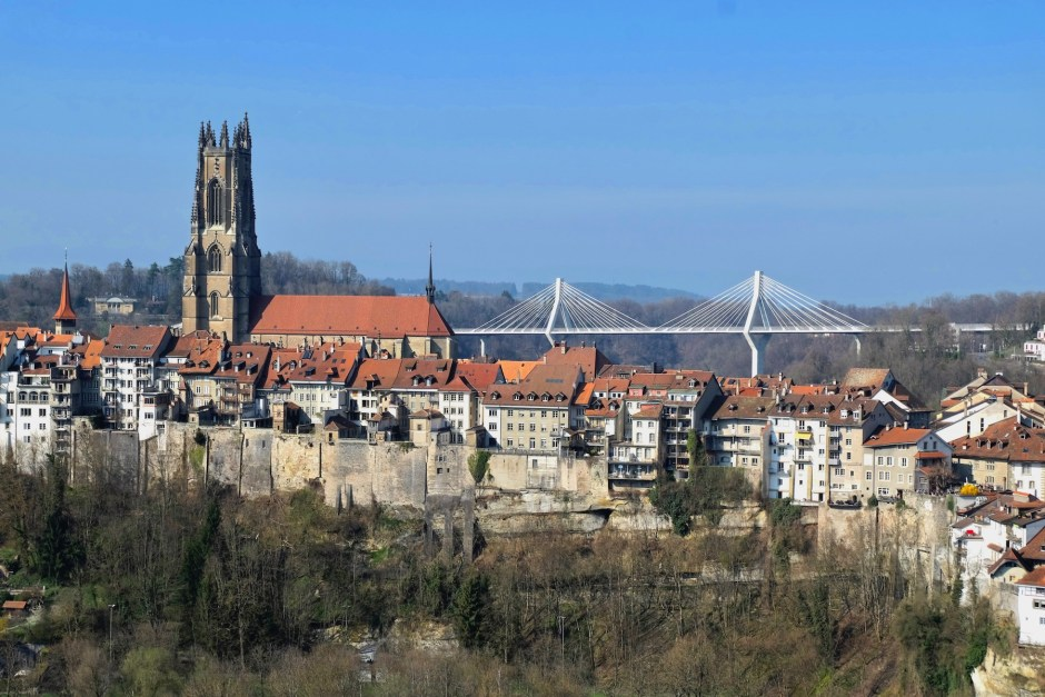 Fribourg cathedral and bridge