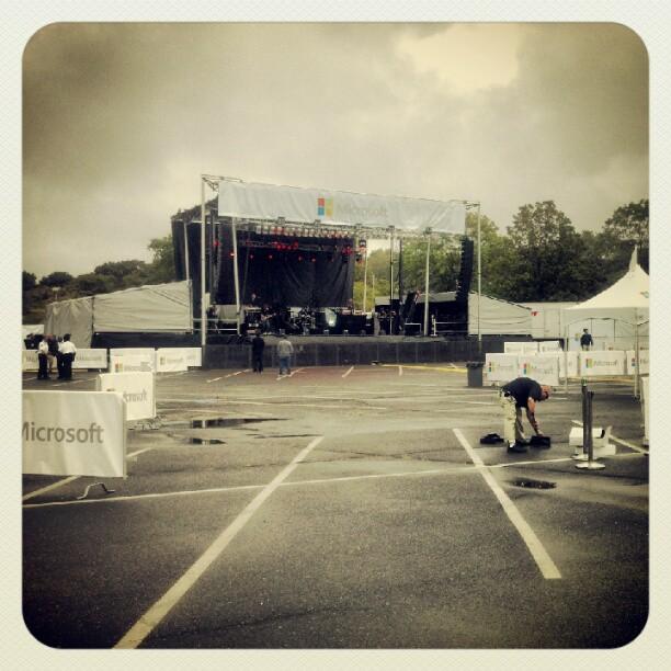 Concert setup #waltwhitmanmall #longisland #johnlegend #taiocruz