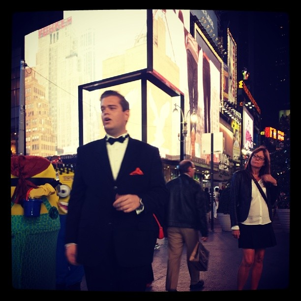 Tony Singing in Times Square #timesquare #newyork #concert #sinatra