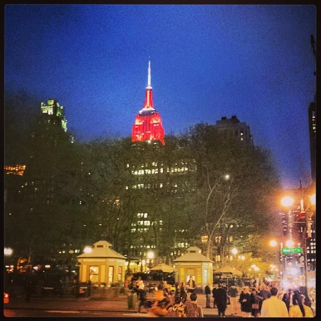 Rocking Red #empirestate #landmark #newyork #night #photography