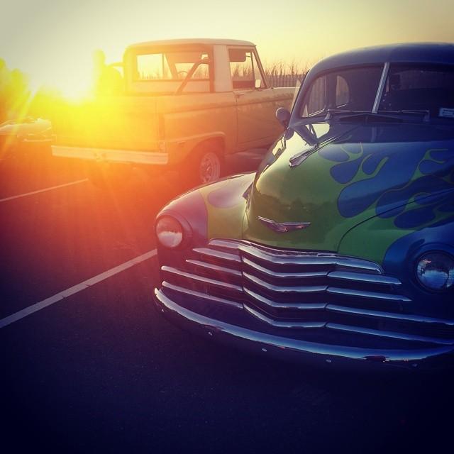 Classic Cars at Sunset #classiccars #hamptonbays #hamptons #summer #sunset #beach #longisland