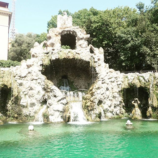Just a simple papal grotto #thevatican #vaticangardens #chebellaroma #rome #italy