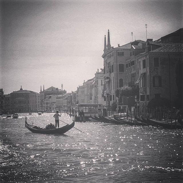 Domenica Al Canale Grande #chebellavenezia #italy #Venice #veneto #venezia #bw #fineart #photography #art