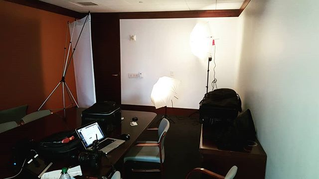 Turning An Ordinary Conference Room Into A Photo Studio #corporateheadshots #newyorkcorporateheadshots #newyorkcorporatephotographer #onlocation