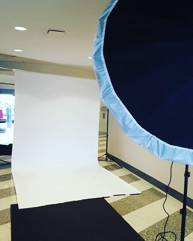 Today, I turned a hallway into a #photo #studio #corporateheadshots #corporate headshotphotographer #groupportrait #newyorkcorporateheadshots #newyorkcorporatephotographer
