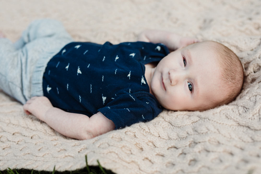 outdoor newborn photographer