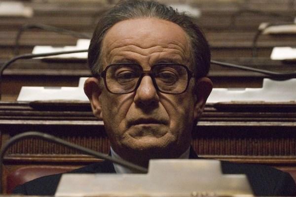 """La grandezza de """"Il Divo"""" di Paolo Sorrentino"""