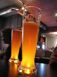 a-beer-in-a-pub-1171697-m