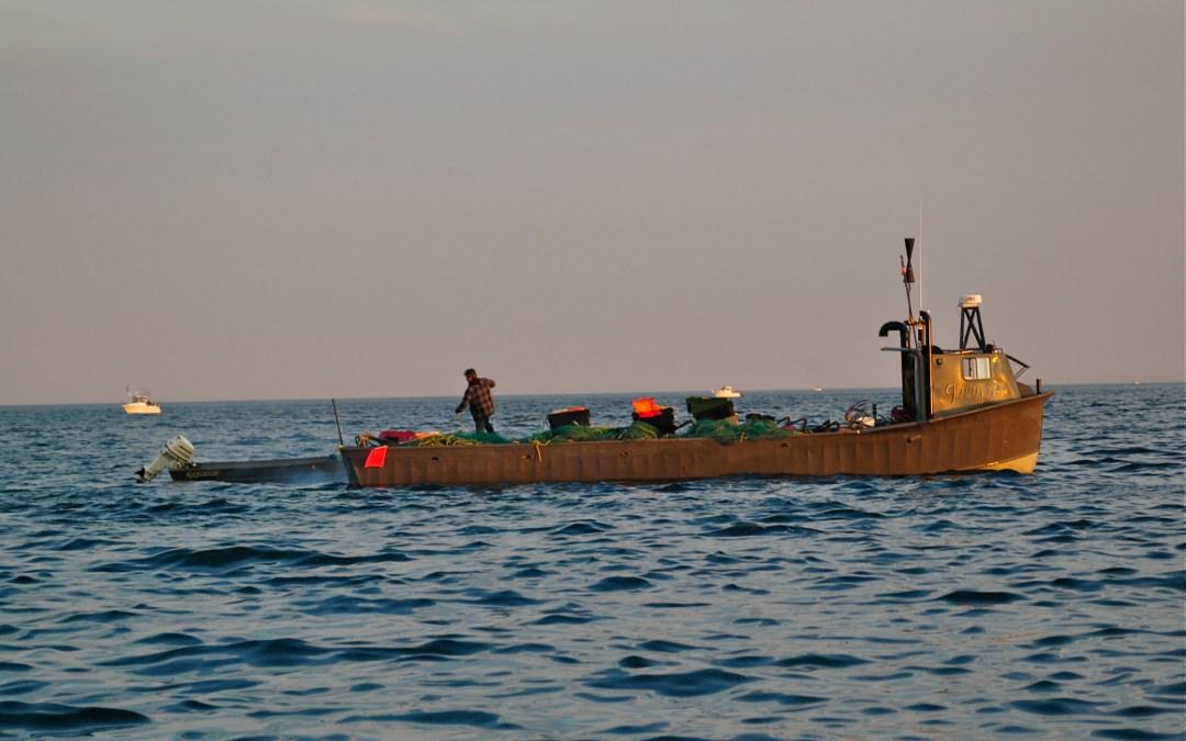 Action Alert: Call Senators to Support Comm. Fishing Legislation