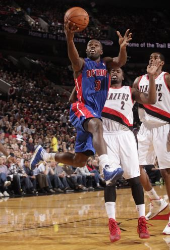 Rodney Stuckey drives to the basket in the Pistons 109-103 loss at Portland on Nov. 11 (NBAE/Getty Images)
