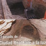 foto de los del Alcázar de Alfonso X, que son de doble Galería a dos niveles, excavadas en la roca en el barrio del Torreón de Ciudad Real