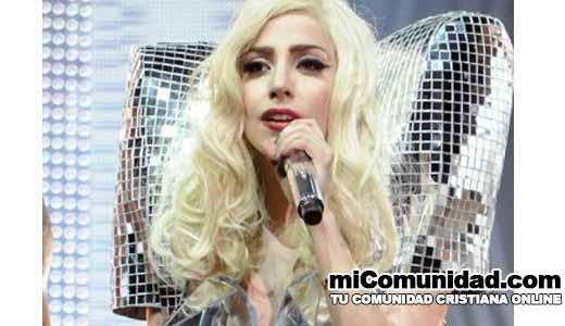 """Lady Gaga: """"Somos pecadores y Dios no es una moda"""""""