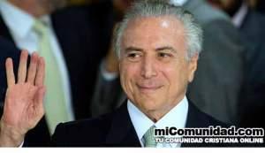 Nuevo presidente de Brasil recibe oración tras inauguración
