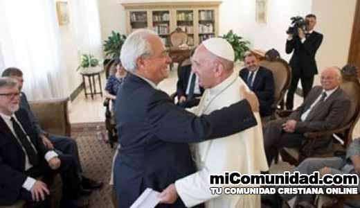 """Papa se reúne con pastores para promover """"unidad"""" entre católicos y evangélicos"""