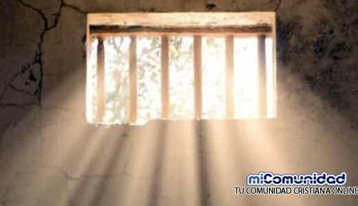 Carcelero sueña con Jesús y libera a pastores de prisión en Medio Oriente
