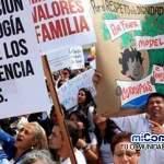 Evangélicos y católicos manchan contra ideología de género en Perú